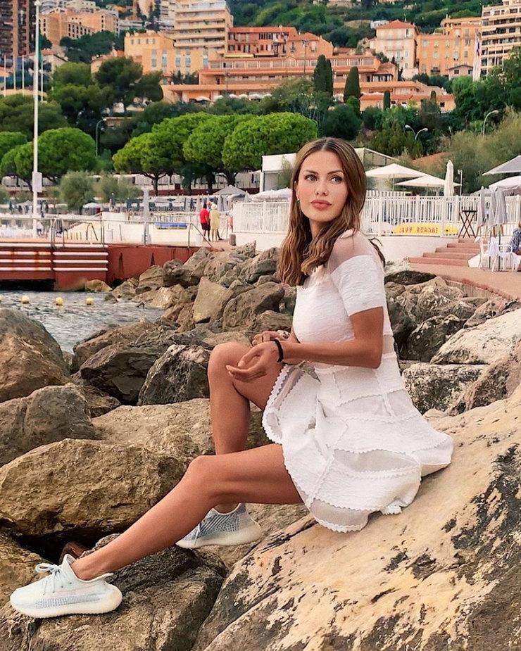 Виктория Боня отметила день рождения в стиле Гэтсби