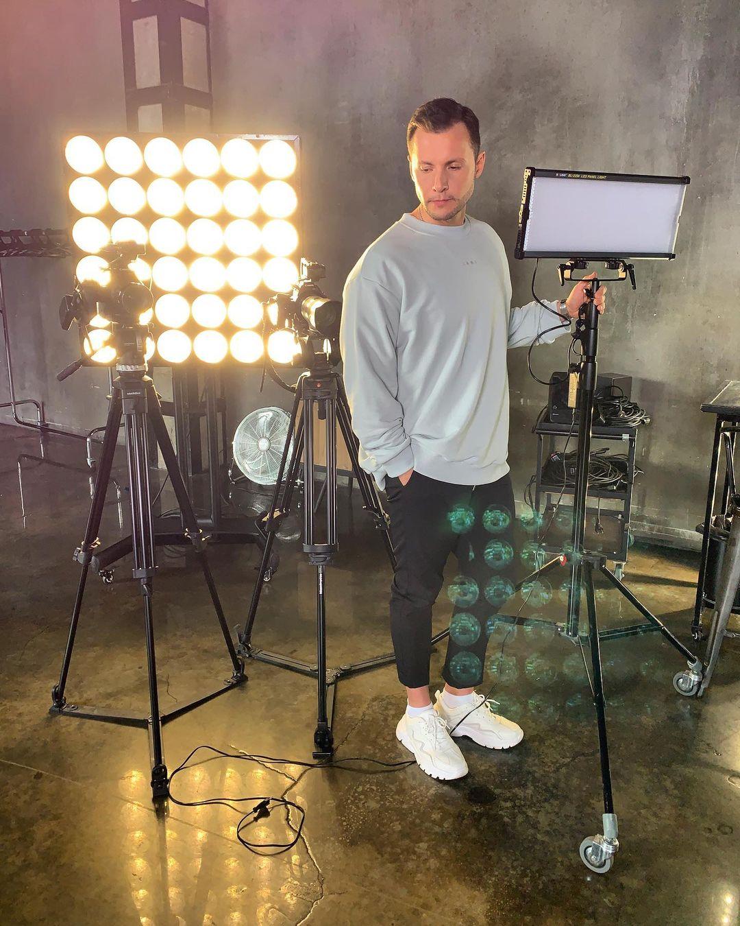 Вячеславу Манучарову стыдно за участие в новогодних шоу
