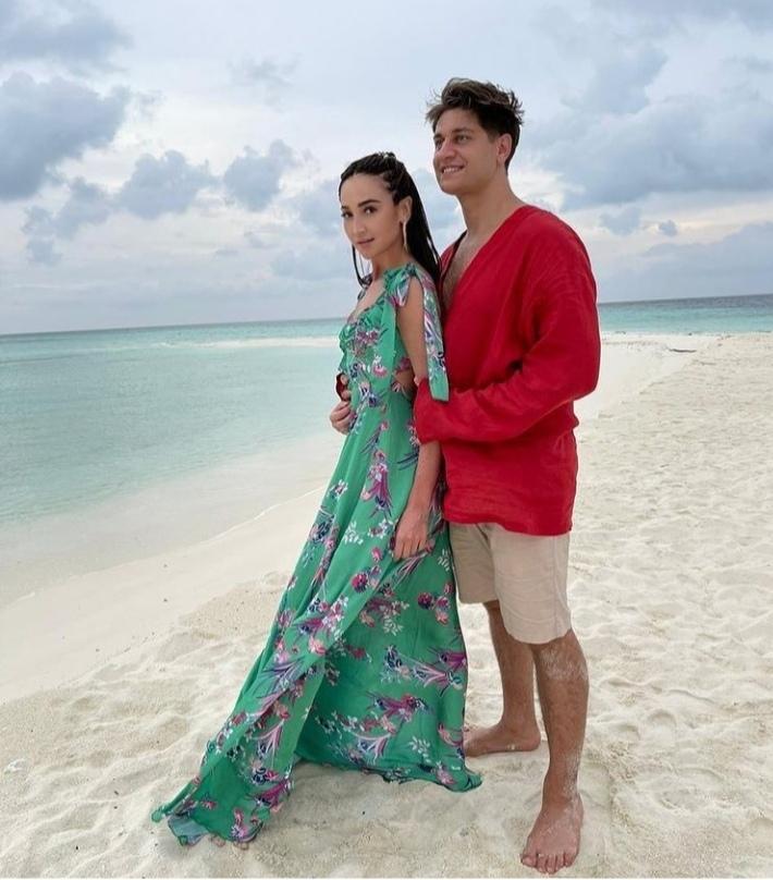 Дава вернулся с Мальдив и занялся танцами