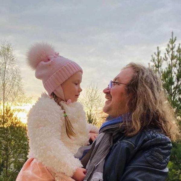 Игорь Николаев свозил дочь в Диснейленд и отметил день рождения