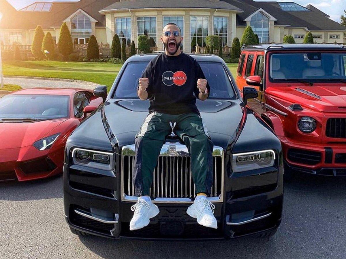 10 звезд, купивших автомобиль в 2020