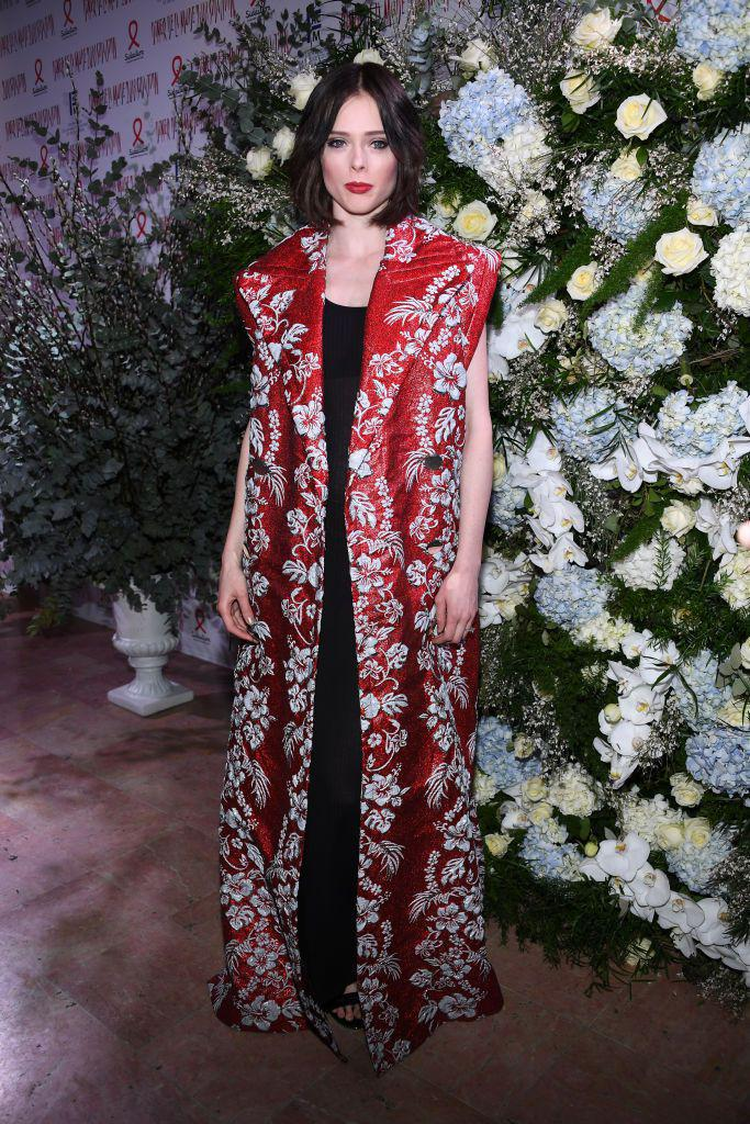 9 знаменитостей в антимодных платьях