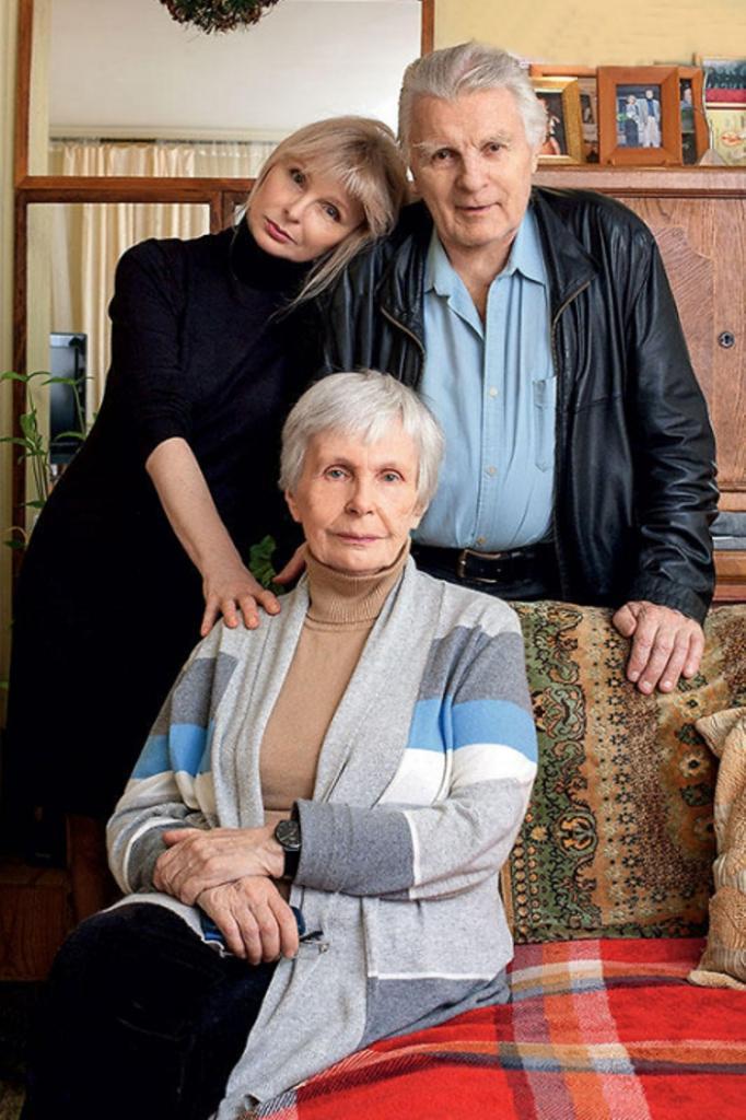 5 звезд, которые жили на две семьи