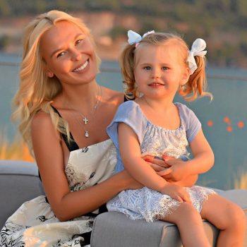 11 милых фото знаменитостей с детьми